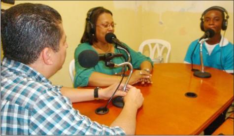 Las emisoras escolares 'se toman' la  educación isleña